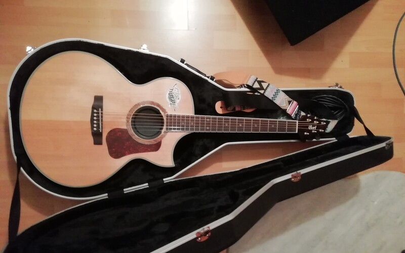 Cort E-Akustikgitarre