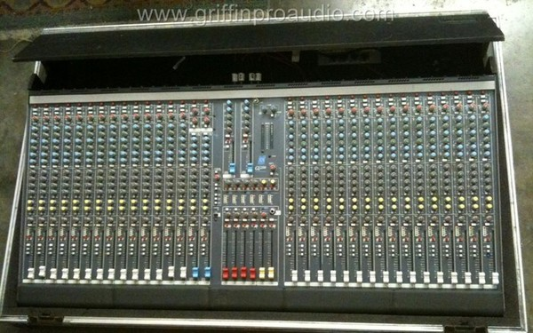 Allen & Heath GL 2200 32